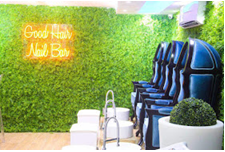 snapshot on the nail bar of Good hair ltd, lovely grass layer spreading beautifully