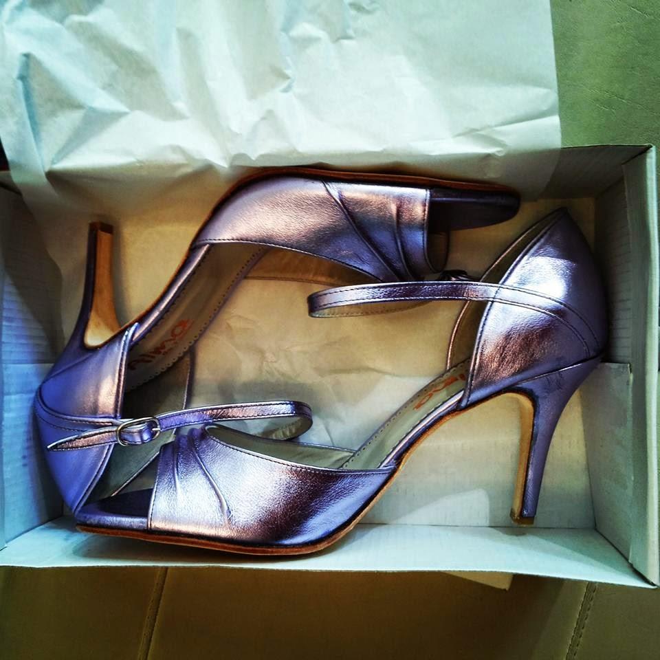 Facciamo le tue scarpe da TANGO o da SPOSA su misura ...Dal 34 all 42 ...!!  Pubblicato da Kaja tango roma ... 0dbc554c515