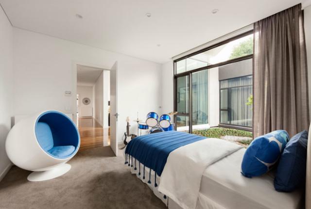 Elegant child's bedroom