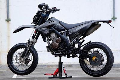 Modifikasi Kawasaki KLX SuperMOTO 150