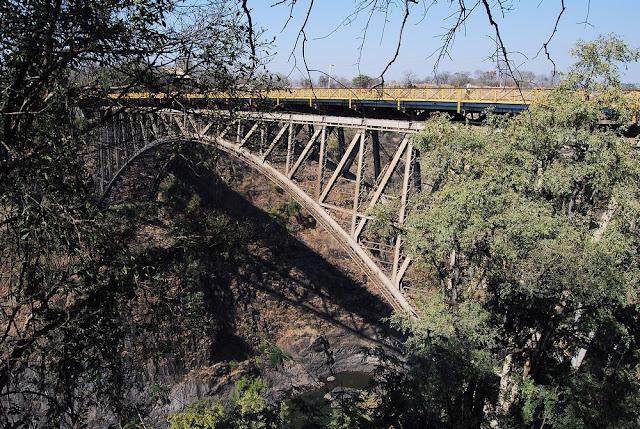 le célèbre pont Victoria, jeté au-dessus de la deuxième gorge…