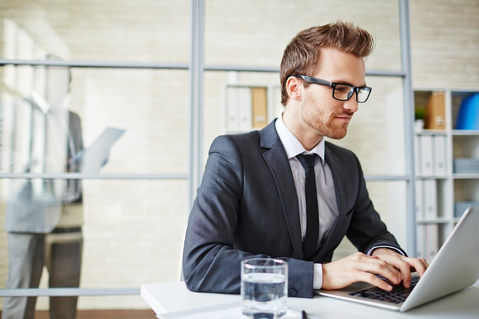 5 najczęstszych błędów pracowników w Internecie