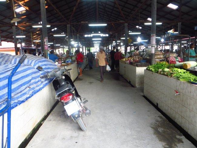 Тайский скутер на рынке