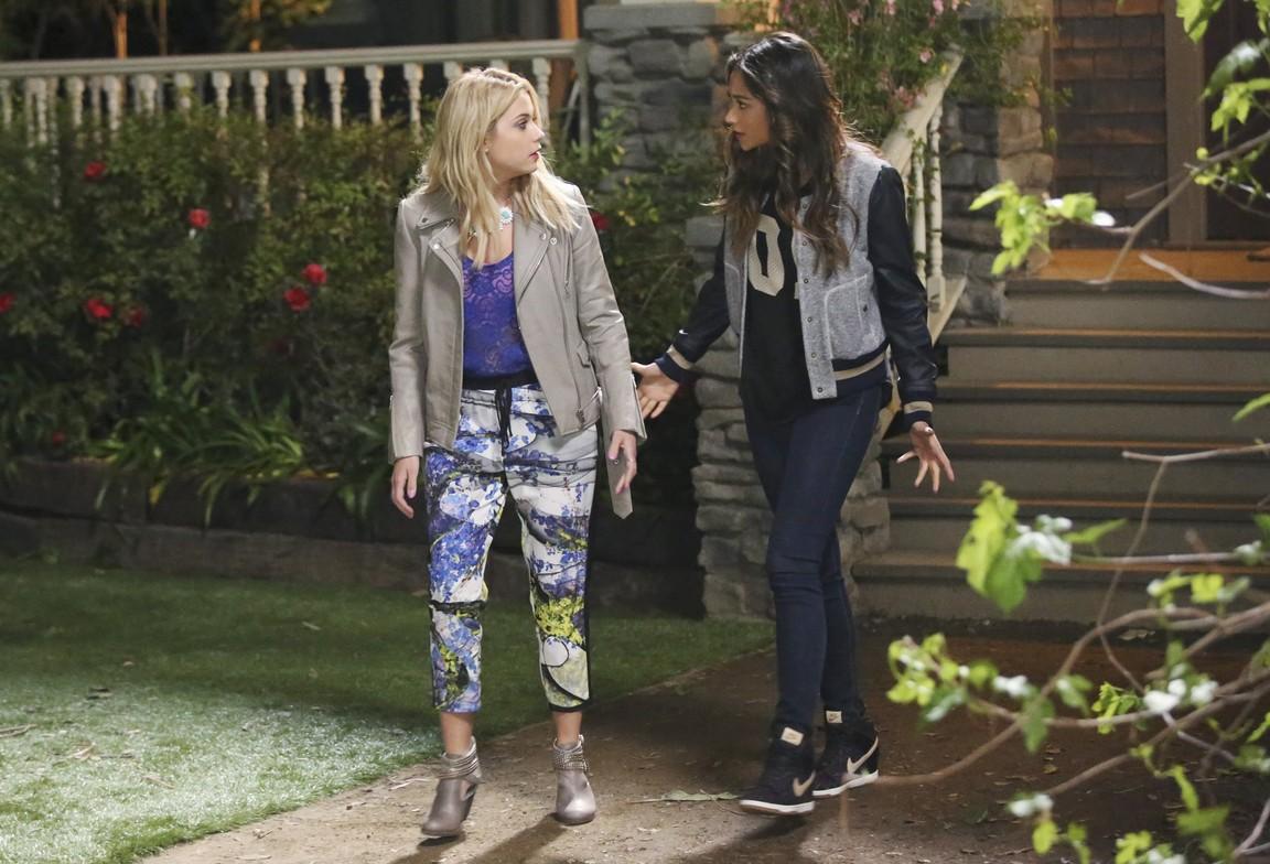 Pretty Little Liars - Season 5 Episode 02: Whirly Girl
