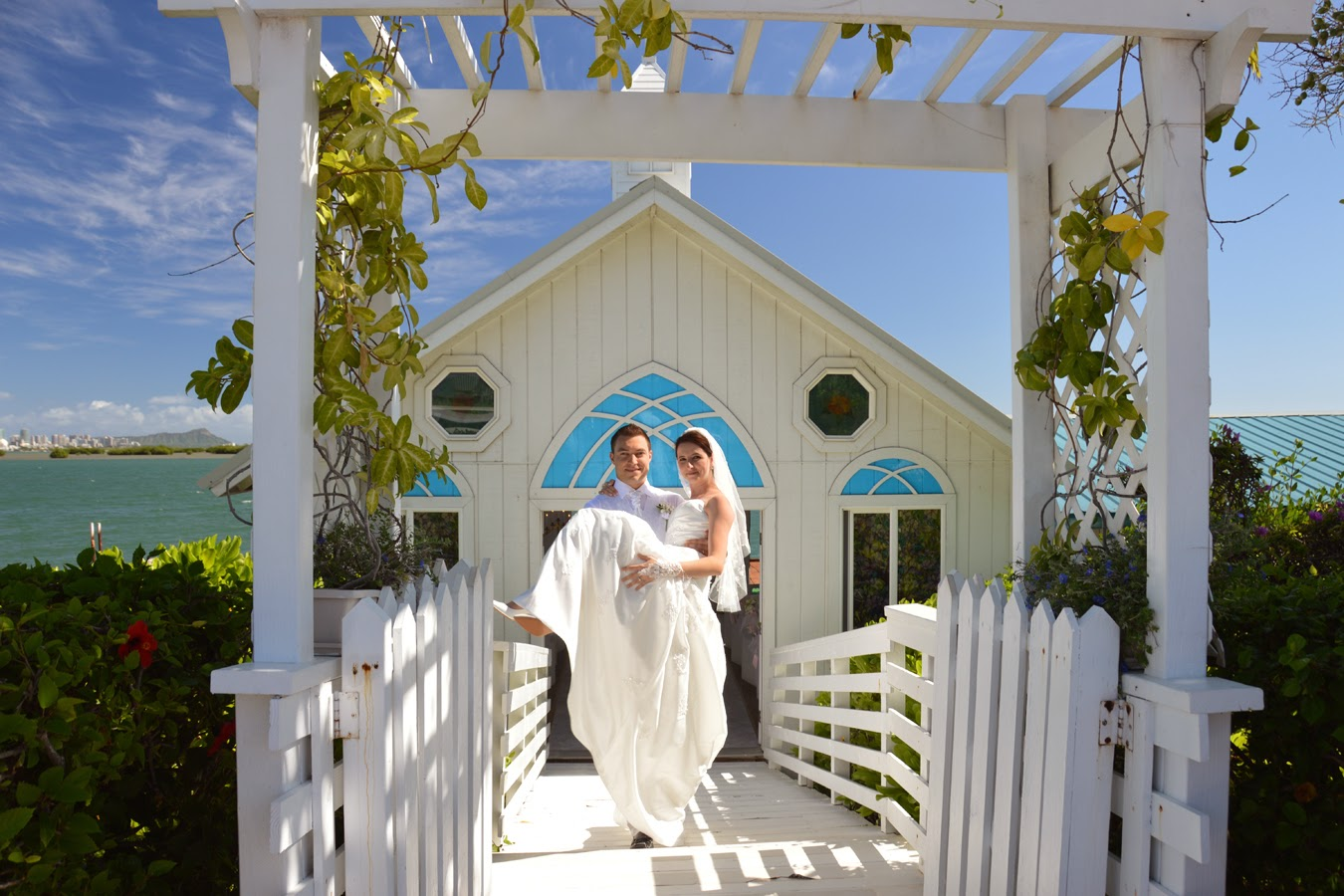 Honolulu Weddings: October 2014