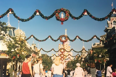 Main Street USA christmas garland