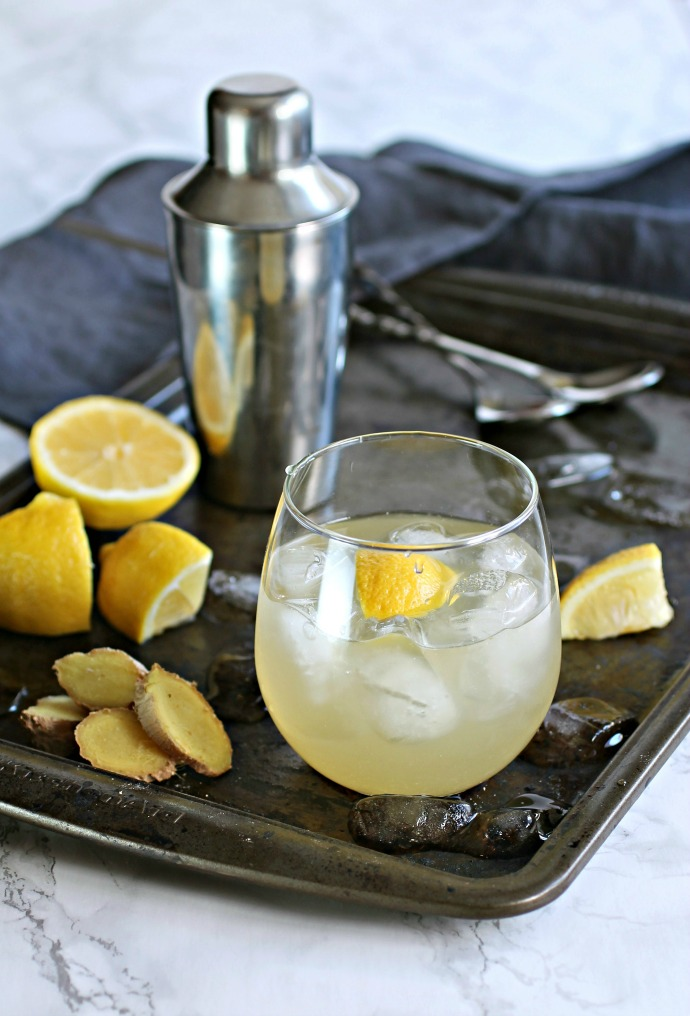Recipe for a bourbon cocktail flavored with lemon and fresh ginger.