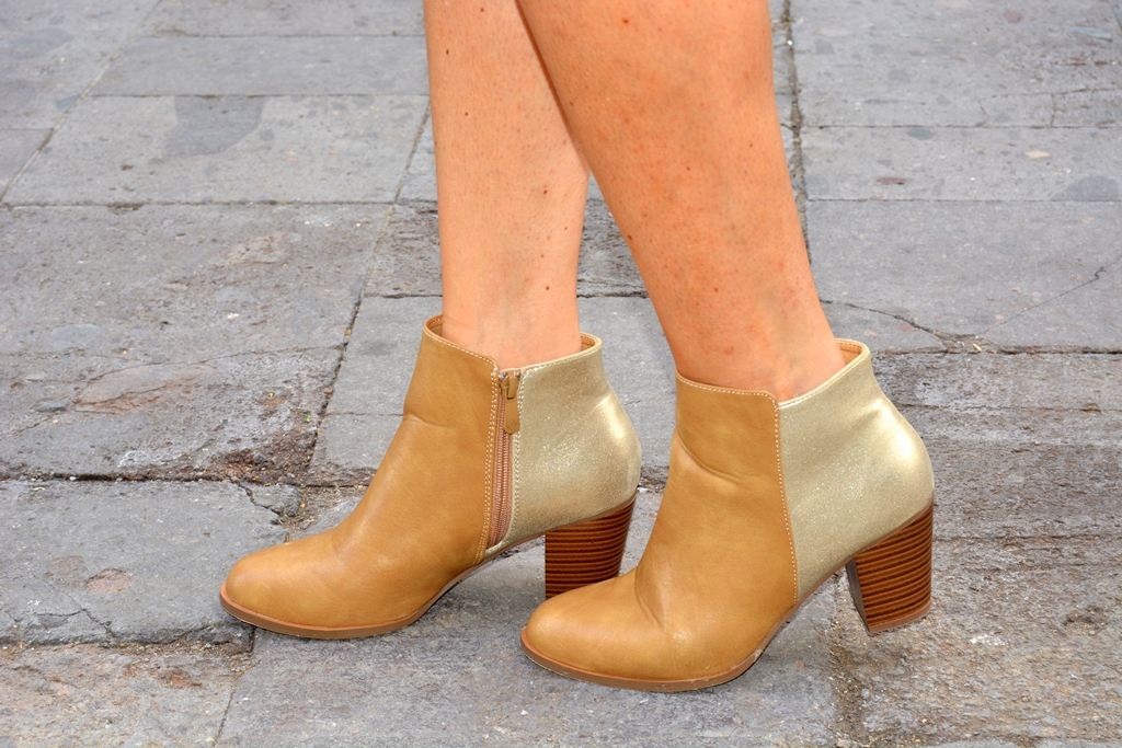 botines-camel-dorado-carolina-boix-shoes-zapatos