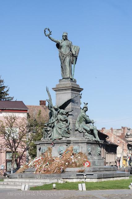Az aradi Szabadság-szobor az aradi vértanúk emlékére