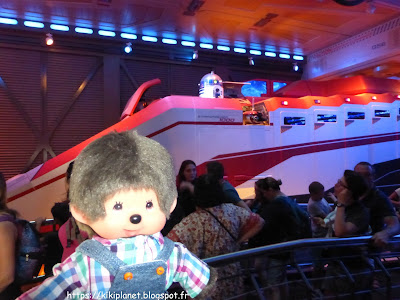 r2d2 Star Wars bubbles monchhichi star tours Disneyland paris