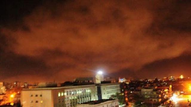 Asap Hitam Terlihat Membubung dari Sisi Utara dan Timur Kota Damaskus