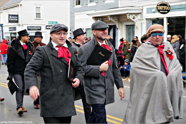 Cantantes de Villancicos en el Desfile de Acción de Gracias de Plymouth