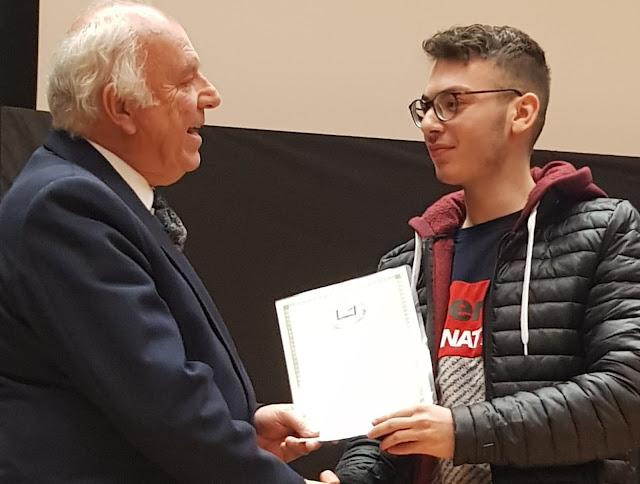 Αργολίδα: 1o Βραβείο για μαθητή του ΓΕΛ Αγίας Τριάδας σε Πανελλήνιο Διαγωνισμό Ποίησης