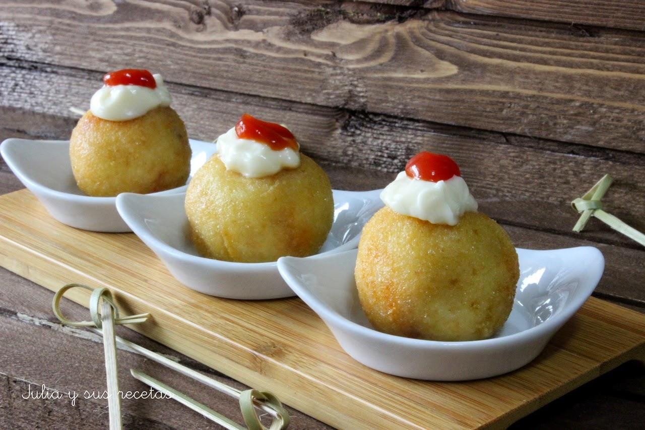 Bombas de patata rellenas de chorizo. Julia y sus recetas