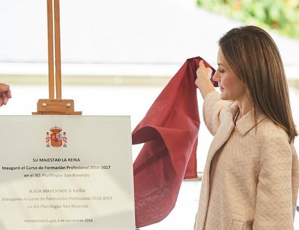 Queen Letizia inaugurates training course at San Rosendo Secondary School in Mondonedo. Queen Letizia wore Massimo Dutti Trousers, MAGRIT Shoes