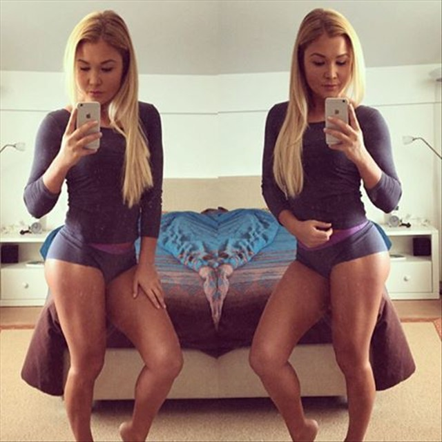 Fitness Model Sophia Thiel Instagram photos