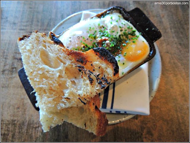 Brunch del Loyal Nine: Baked Eggs
