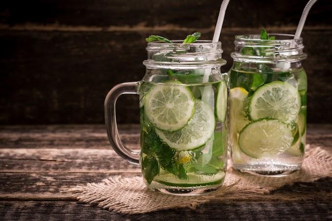 Conheça alguns benefícios da água morna com limão para a saúde