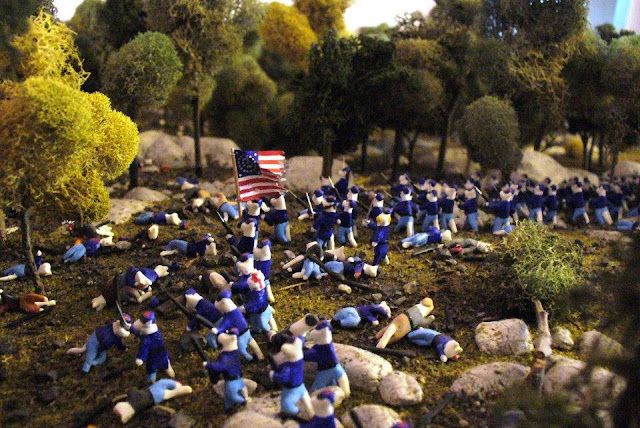 Photo of Little Round Top diorama, Civil War Tails Diorama Museum, Gettysburg, PA.