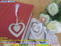 Pembatas Buku Love Heart Atau Bookmark Include Box Mika