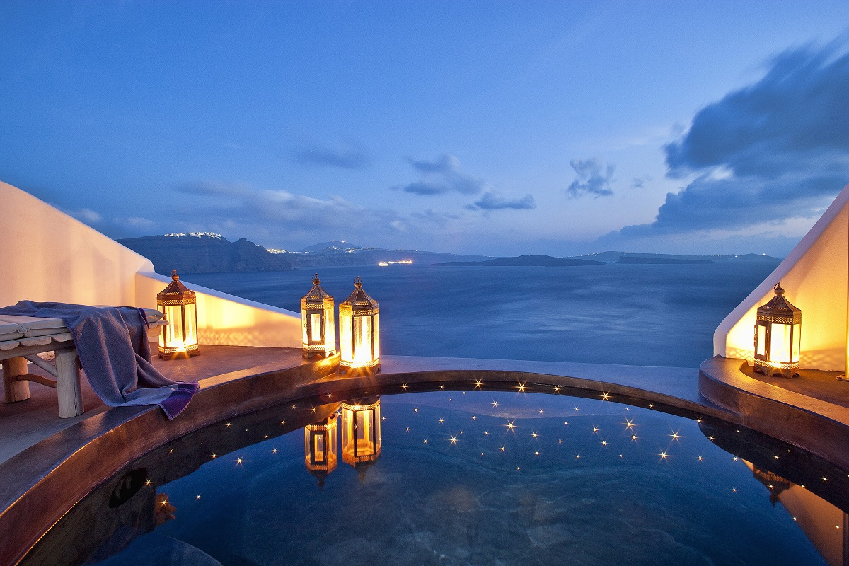 Passion for luxury top 10 santorini hotels with infinity for Pool time pools