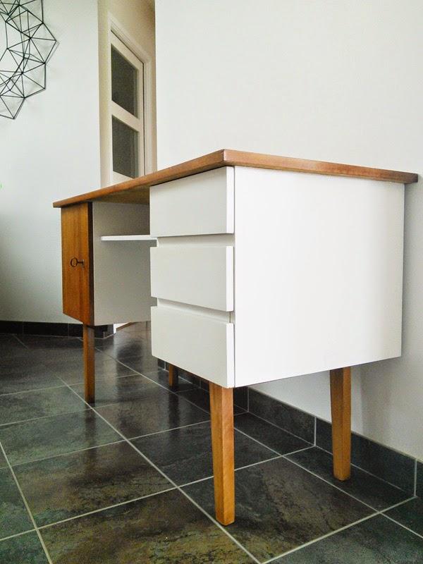 Oser le bleu canard sur ses murs au 303 home deco for Customiser un meuble bureau