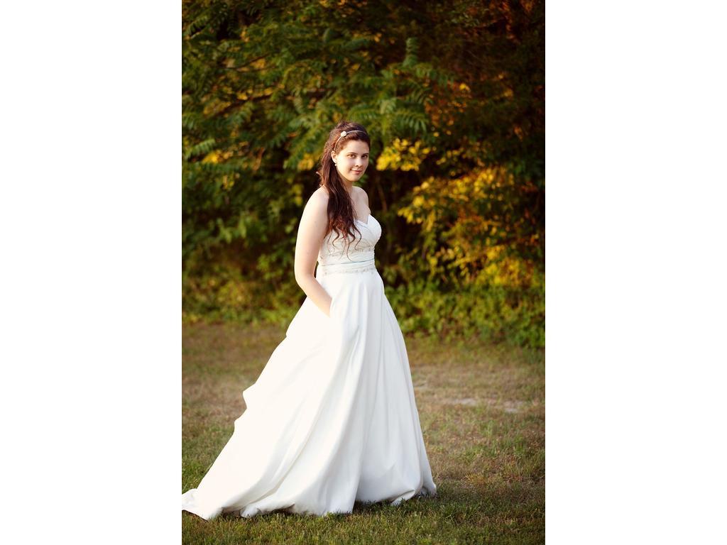 I Heart Wedding Dress: June 2011
