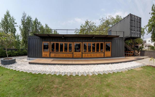 Container Bistro Design