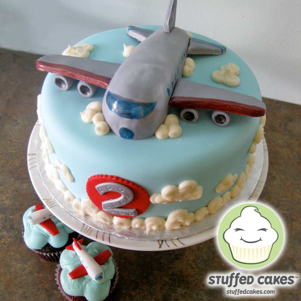 Stuffed Cakes Jet Plane Cake And Cupcakes
