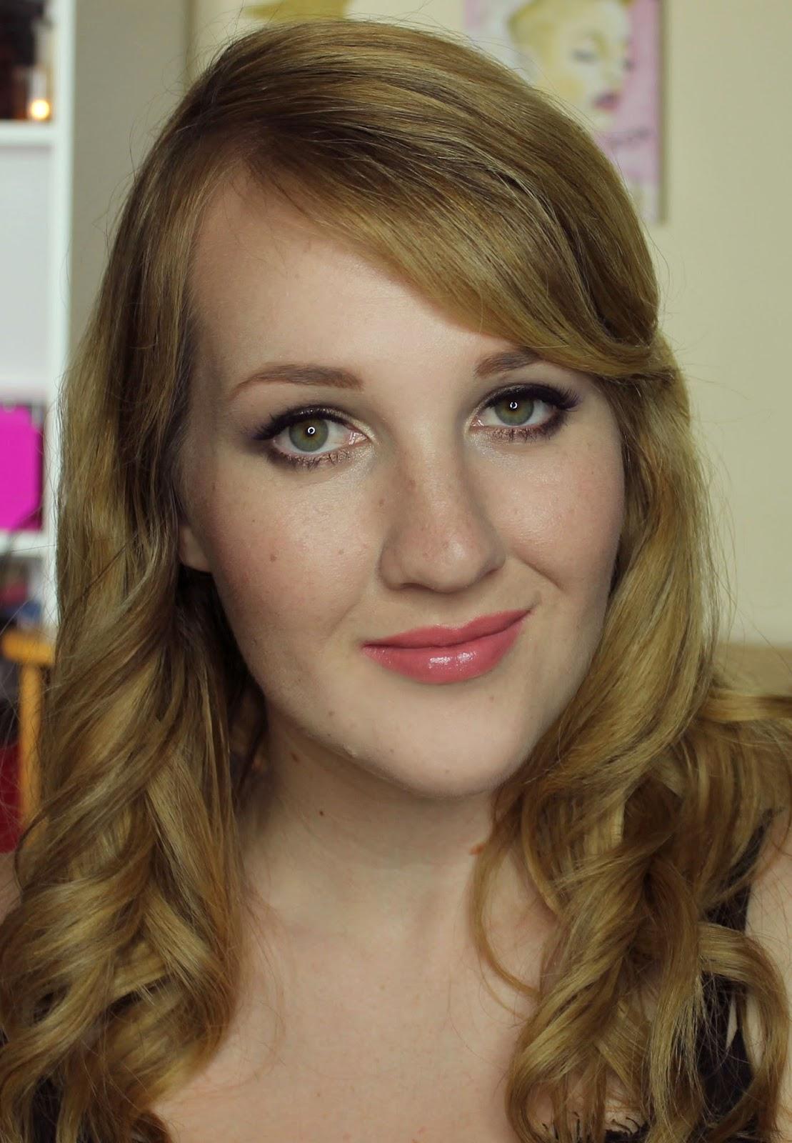 ZA Vibrant Moist Lipstick - PK381s swatches & review