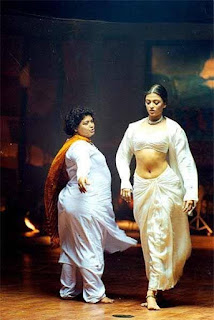 Aishwarya Rai Navel Show from Movie Taal