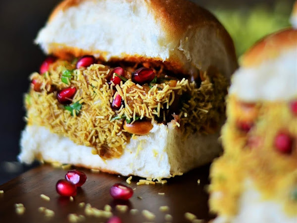 Dabeli Recipe-Indian Street Food | How to Make Kutchi Dabeli At Home | Step-By-Step Dabeli Recipe.