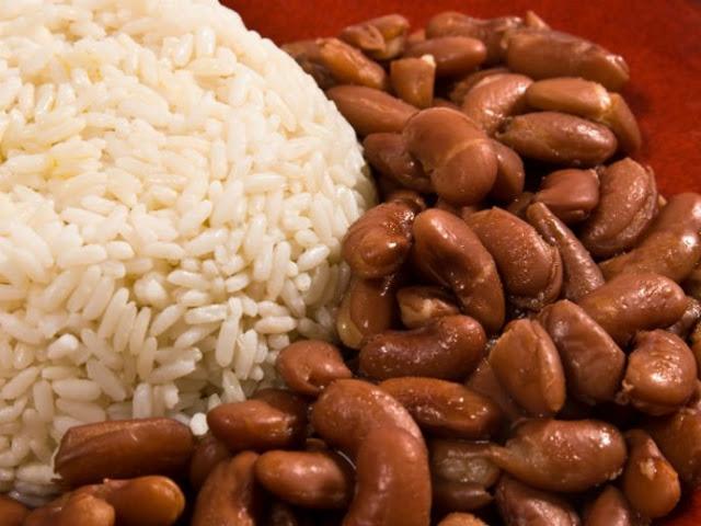Esto ocurre en tu cuerpo cuando mezclas frijoles y arroz