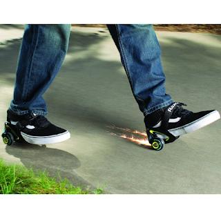 Le patins à roulette Jetts de Razor qui se portent au talon