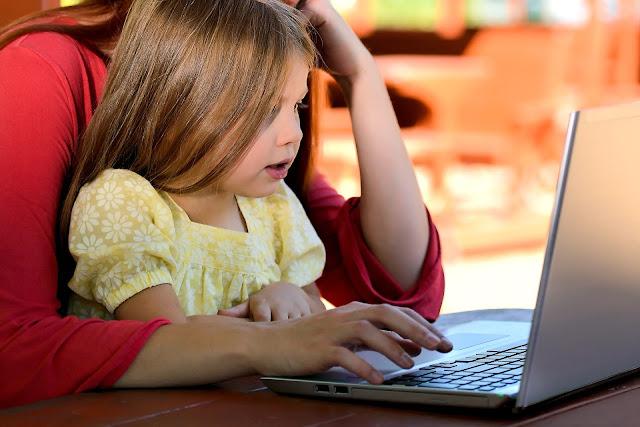 Okiem Żywiciela: Co pożytecznego daje dziecku komputer