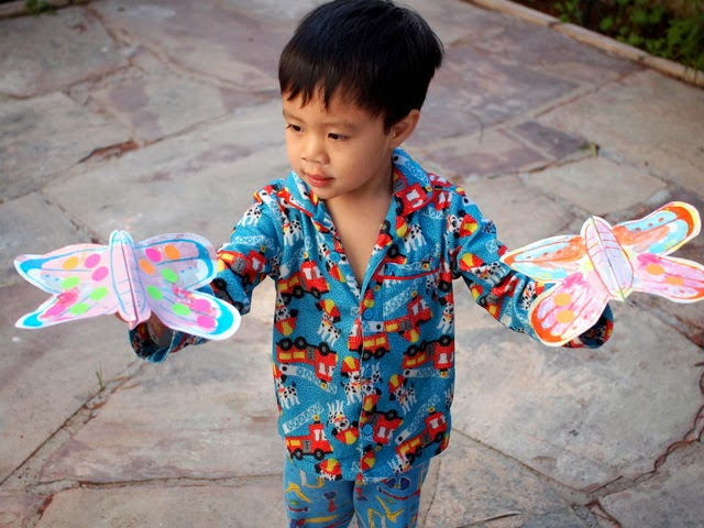 kids craft- make a fluttering butterfly craft!