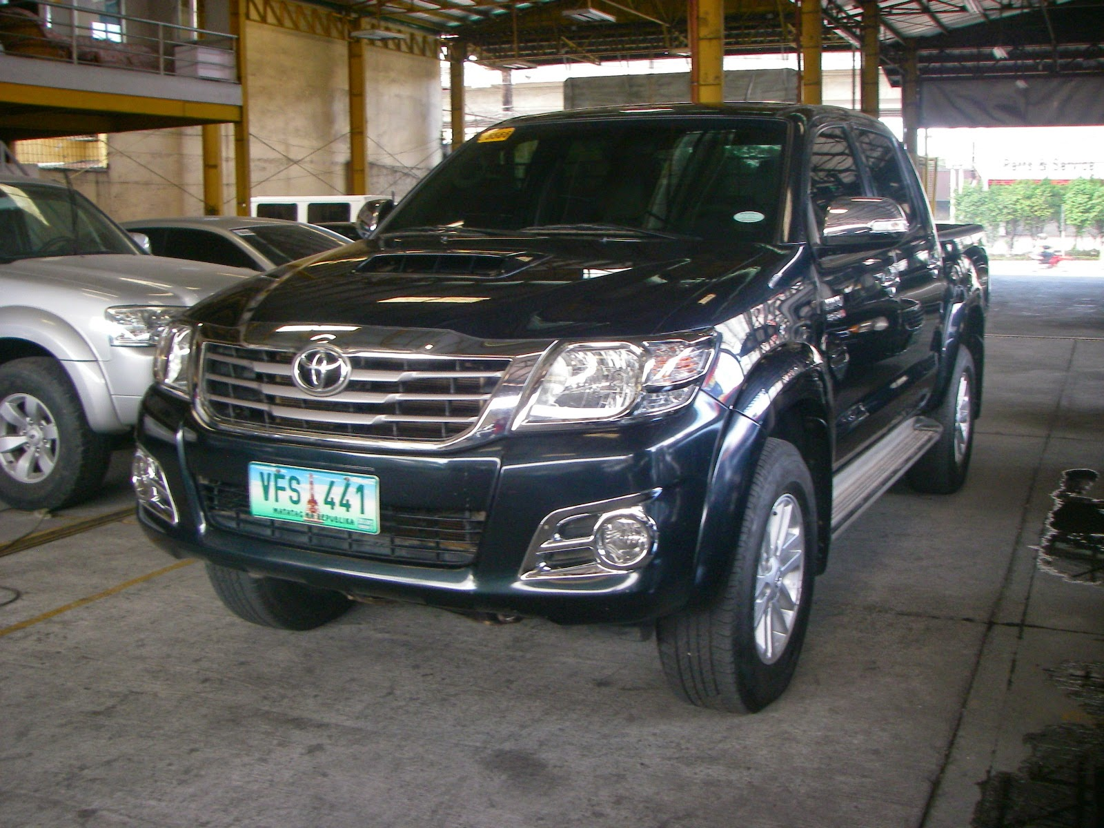 cars for sale in the philippines 2013 toyota hilux 4x4 manual diesel. Black Bedroom Furniture Sets. Home Design Ideas