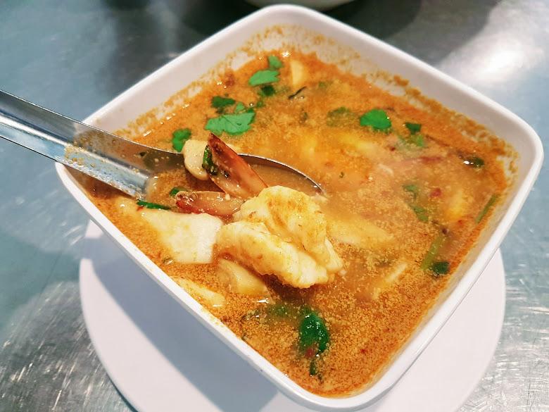午餐泰式酸辣蝦湯
