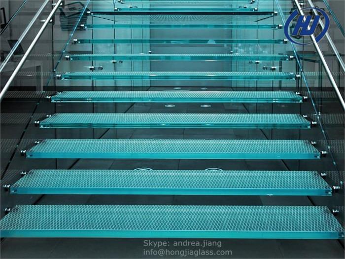 Laminated Glass Flooring Service : Laminated glass floors shower installation