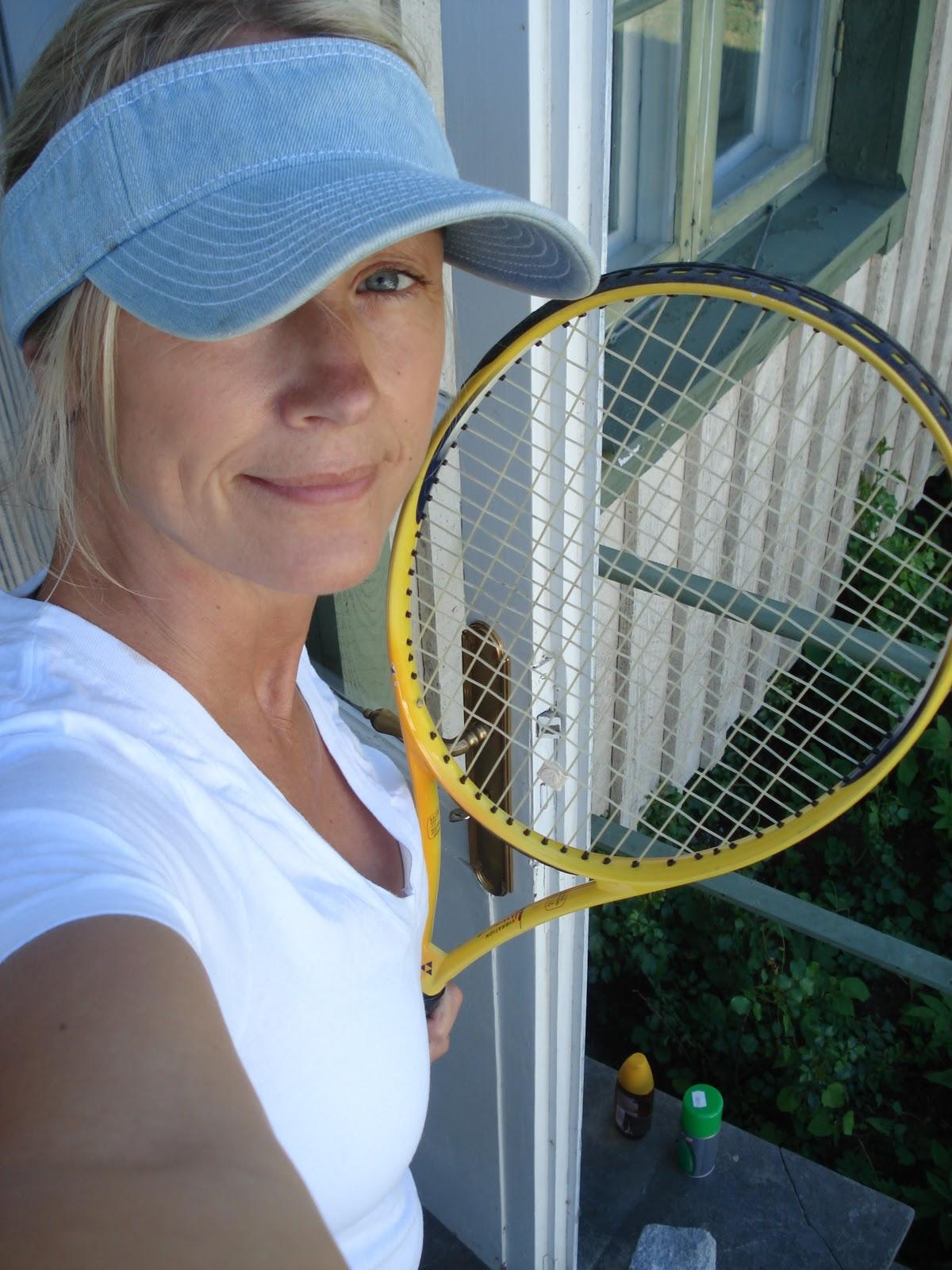 För två somrar sedan gick jag på tennisskola i Båstad. Jag gick in för det  hårt. Väldigt hårt a071c0e082ca2