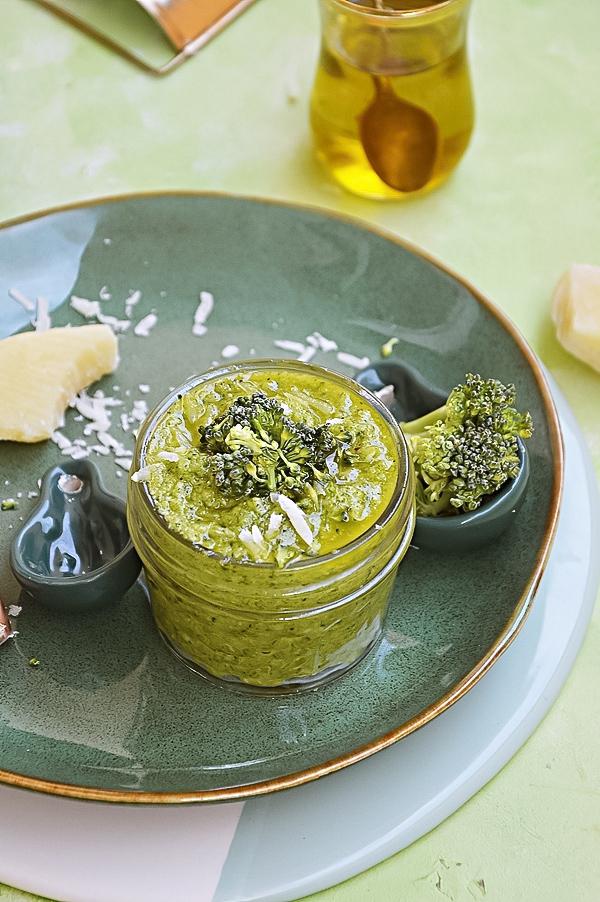 Sos brokułowy do makaronu
