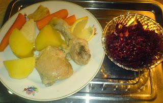 pui cu legume la aburi si salata de sfecla rosie cu hrean, retete culinare, mancaruri cu carne si legume, retete sanatoase,