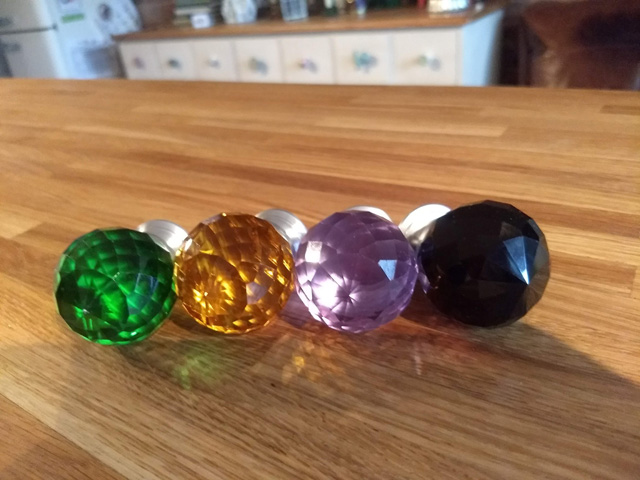 Coloured crystal door knobs