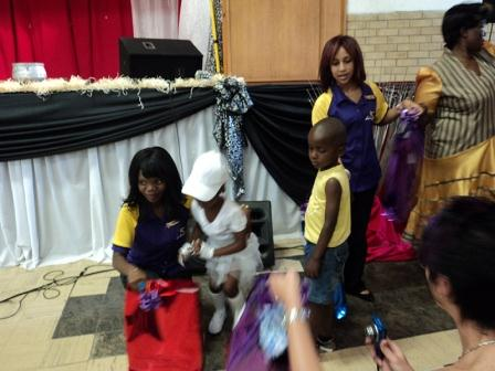 Handing over gifts to the children of Oliver's House - Hollywoodbets - Social Responsibility