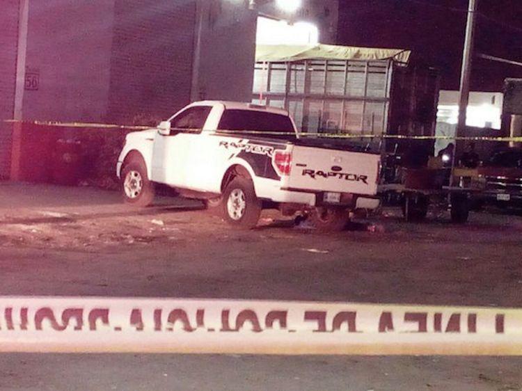 Ejecutan a tres hombres en la central de abasto de Celaya, Guanajuato