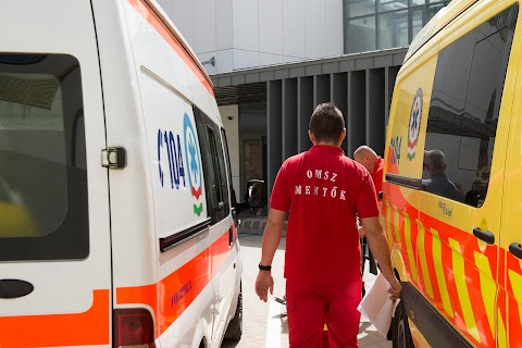 Halálosan megfenyegette a mentőket egy gyomaendrődi férfi