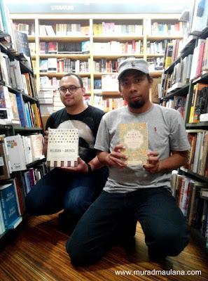 Miko dan saya di Toko Buku Kinokuniya