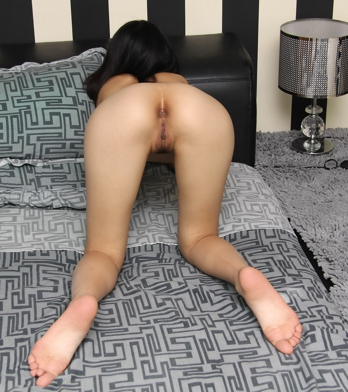 Young girl play porn