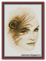 Девушка с павлиньим пером