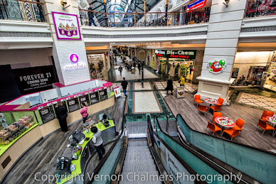 Canon EF-S 10-18mm IS STM Ultra-Wide Zoom Lens - - Canal Walk Century City / Cape Town